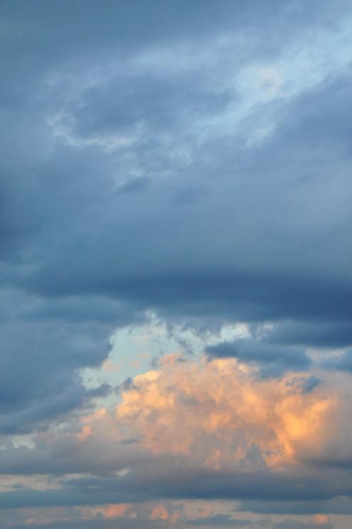 Pretty sky lorez