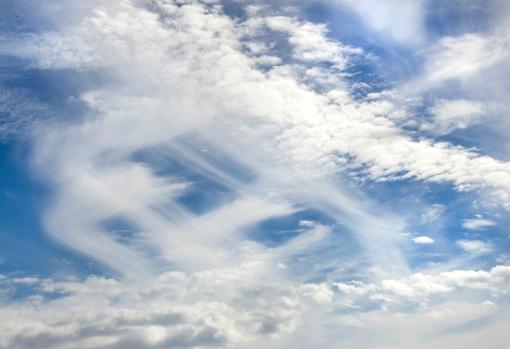 CloudsOverGullfoss